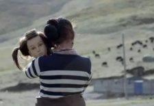 山美龙石:《 你很难在影像里看到这样的藏族女性》