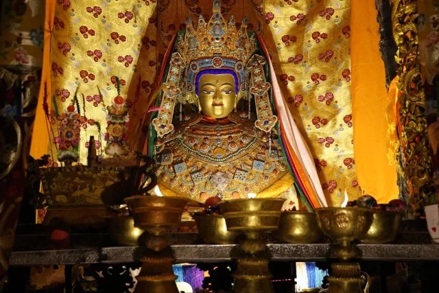 On February 17, 2018, at 6pm on the second day of Tibetan New Year, a fire  suddenly broke out in the main Jowo Rinpoche statue hall and above on the  golden ...